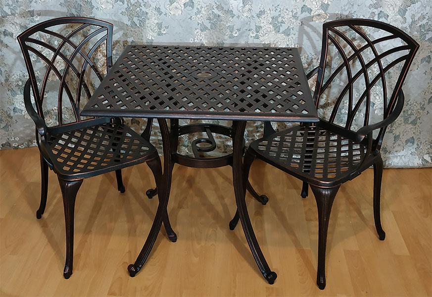 Литая мебель из алюминия Конвессо, стол металлический для кафе квадратный, мебель ковка и литьё, садовая мебель из металла