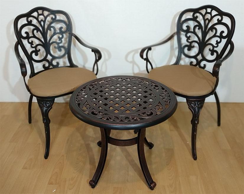 Металлическая садовая мебель из алюминия литая, Мебель для летних кафе и ресторанов HoReCa, литые основания столов, чугунные кресла и столы
