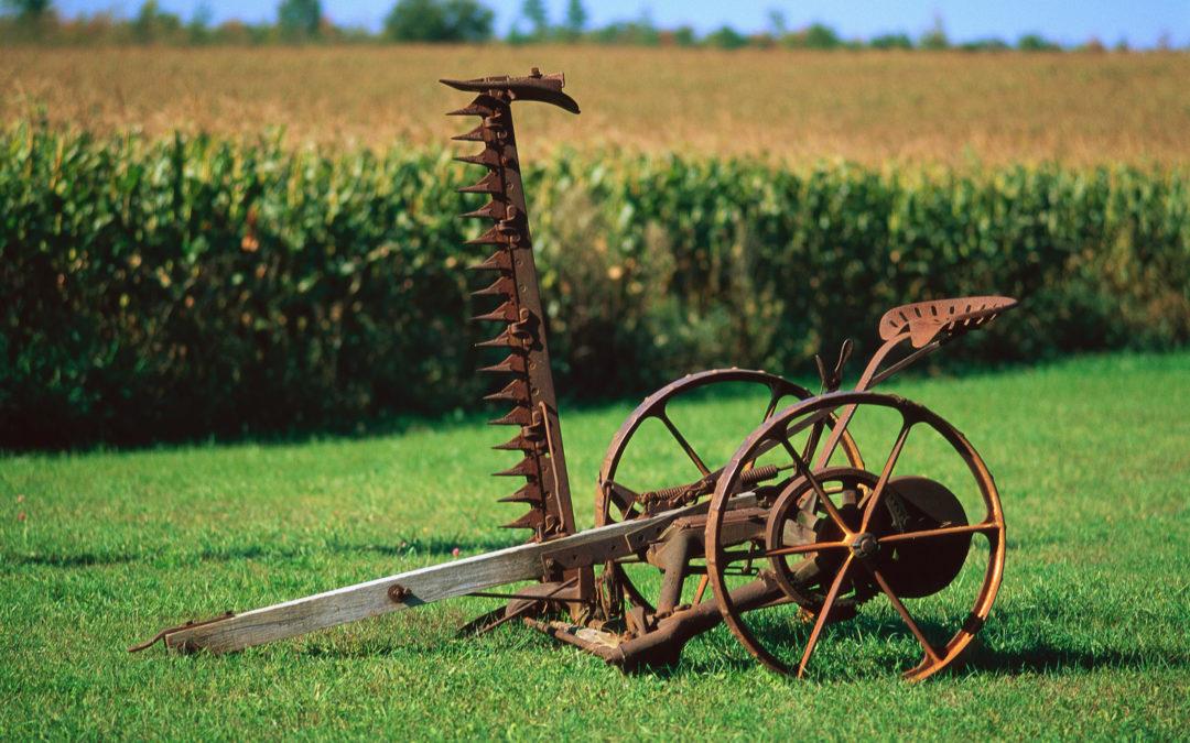 Конные грабли с сидением седло, стул седло барный, табурет для бара стимпанк, стул с сидением от трактора.