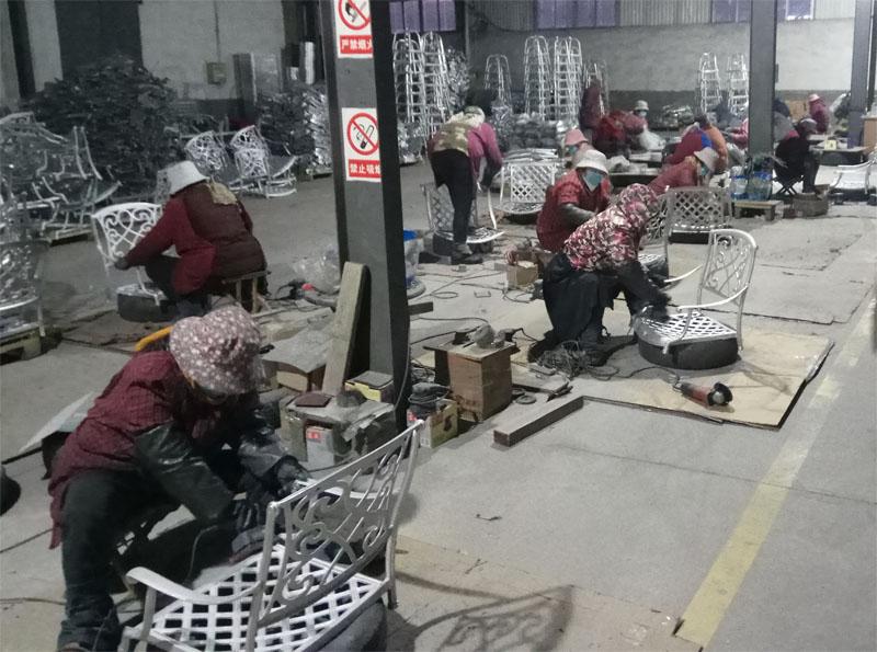 литая мебель производство Столы и кресла для дачи купить у производителя литую мебель из чугуна и алюминия
