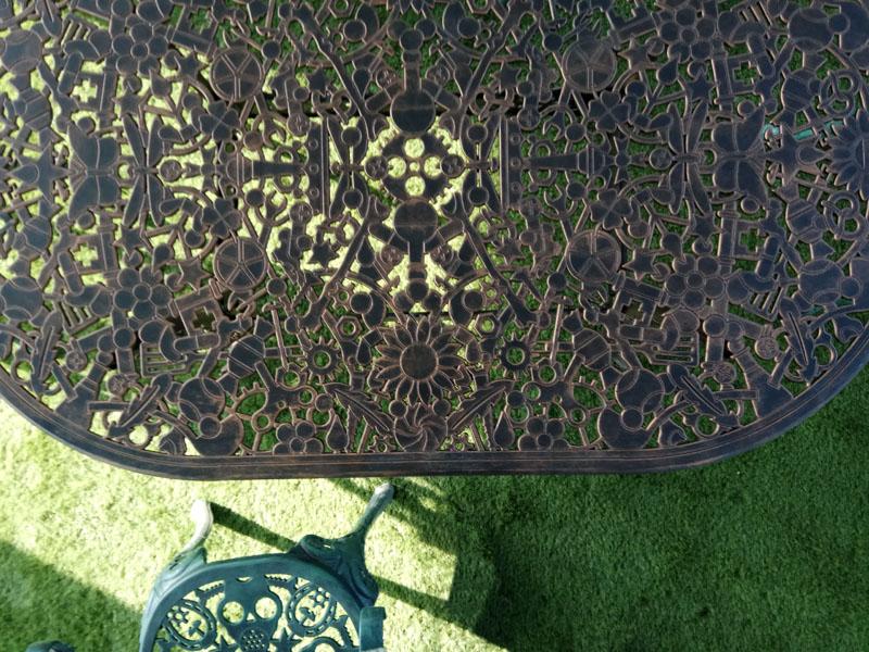 Столешница литье алюминия оригинальный дизайн изготовление на заказ литой мебели